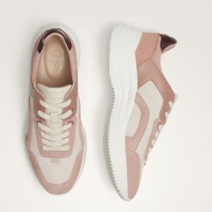 Contrast two-tone trainers. NWT